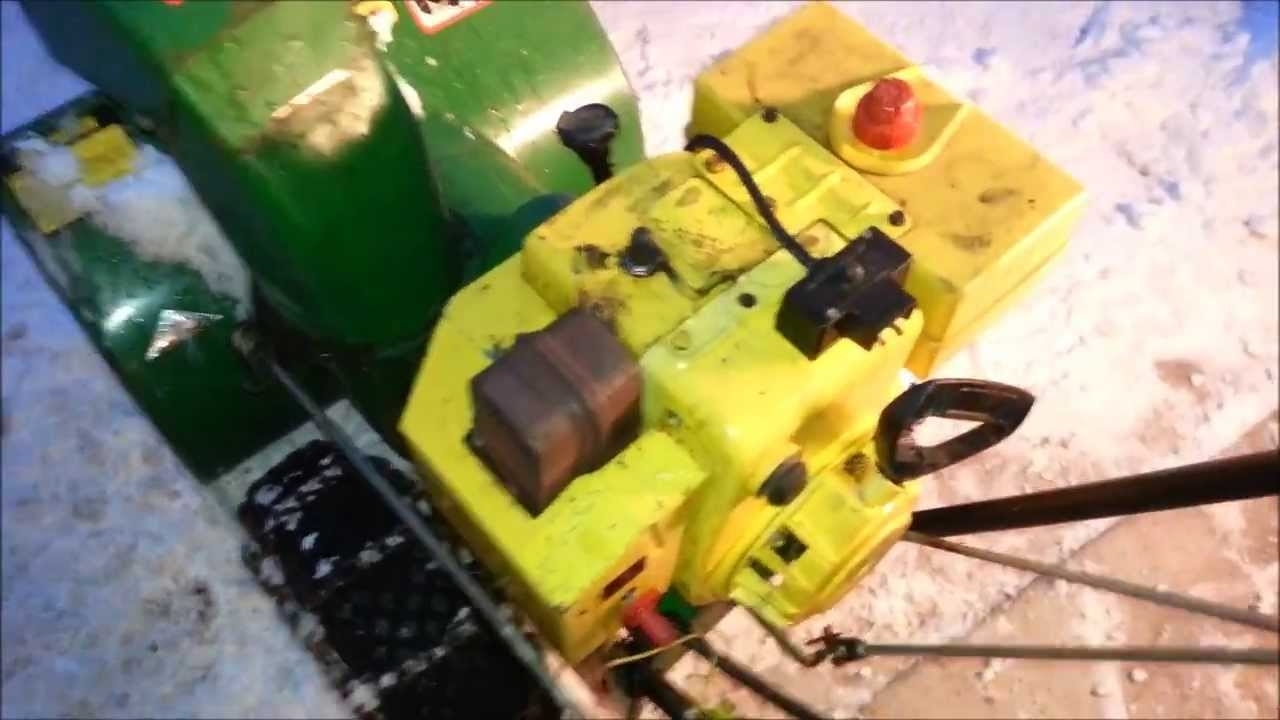 John Deere 826 Snow Blower Start Up